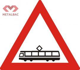 Trecere la nivel cu linii de tramvai, A43