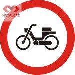 Accesul interzis mopedelor, C6