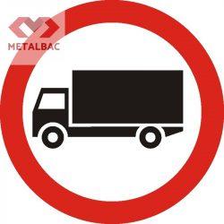 Accesul interzis vehiculelor destinate transportului de mărfuri, C7