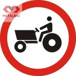 Accesul interzis tractoarelor şi maşinilor auto propulsate pentru lucrări, C13
