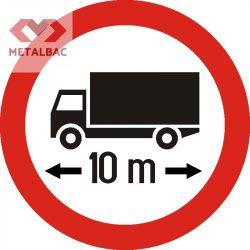 Accesul interzis autovehiculelor sau ansamblurilor de vehicule cu lungime mai mare de ... m, C22